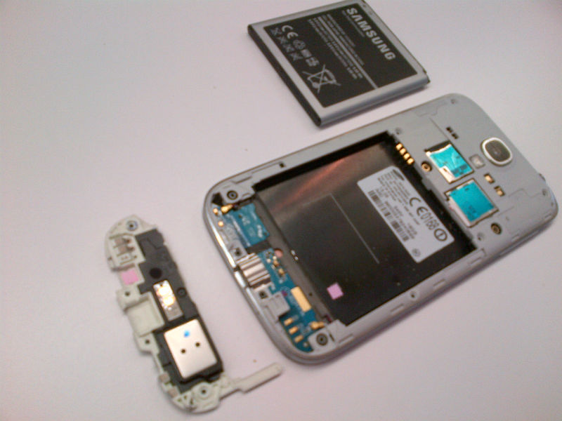 Samsung Galaxy S4 with battery and USB charging port removed